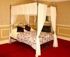 Cornwall  Four Poster