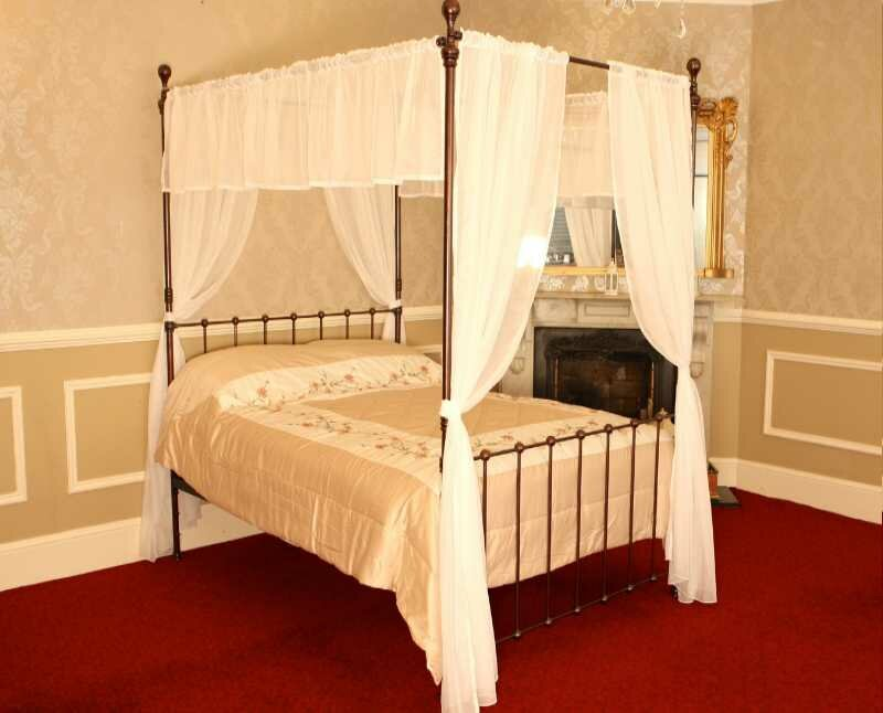 London   Four Poster